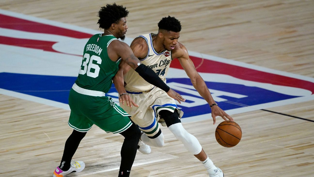 Smart: Refs overturned call to keep Giannis in