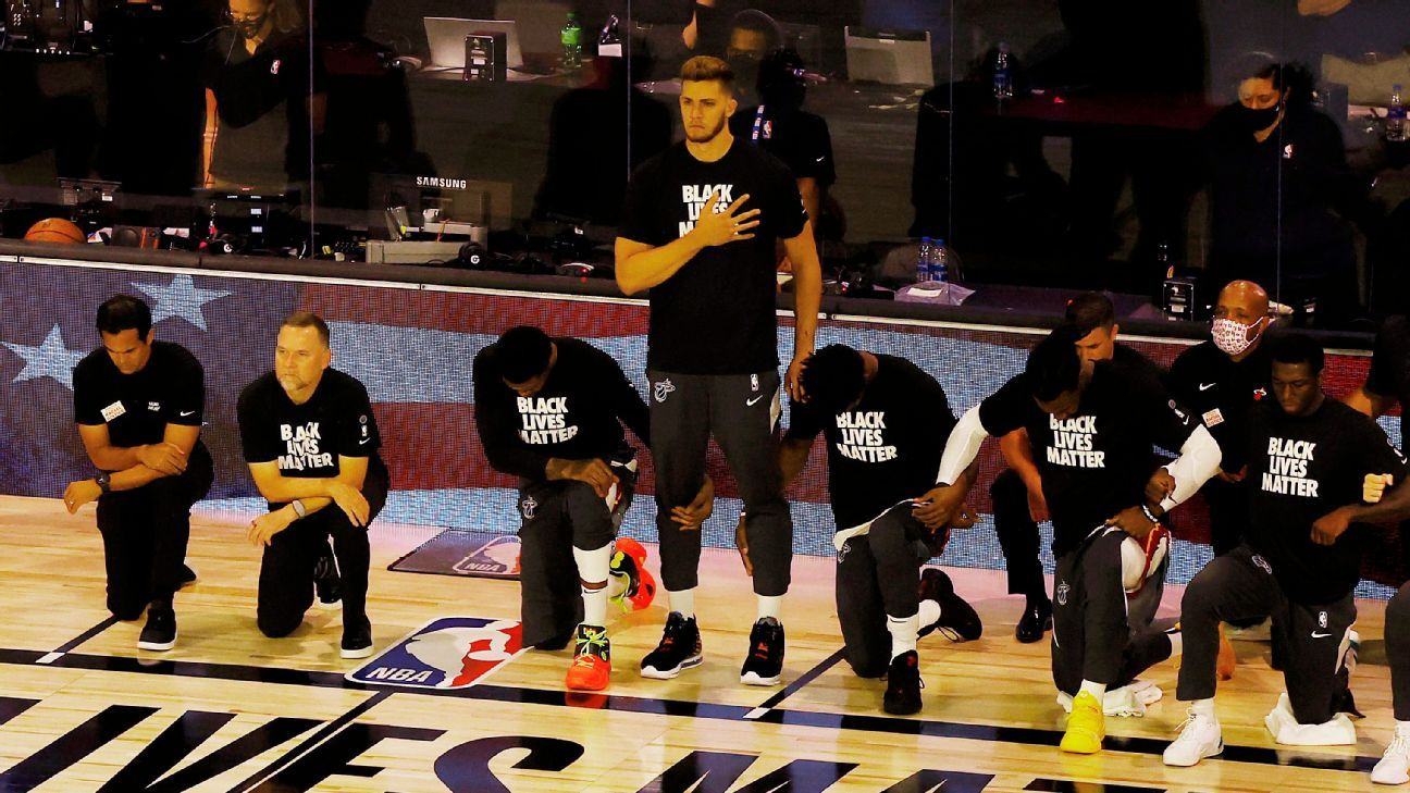 Heat's Leonard opts to stand for national anthem
